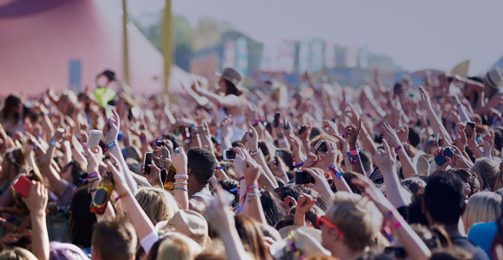 How to Enhance a Festival Experience for Both Event Organizers and Attendees by Aloompa